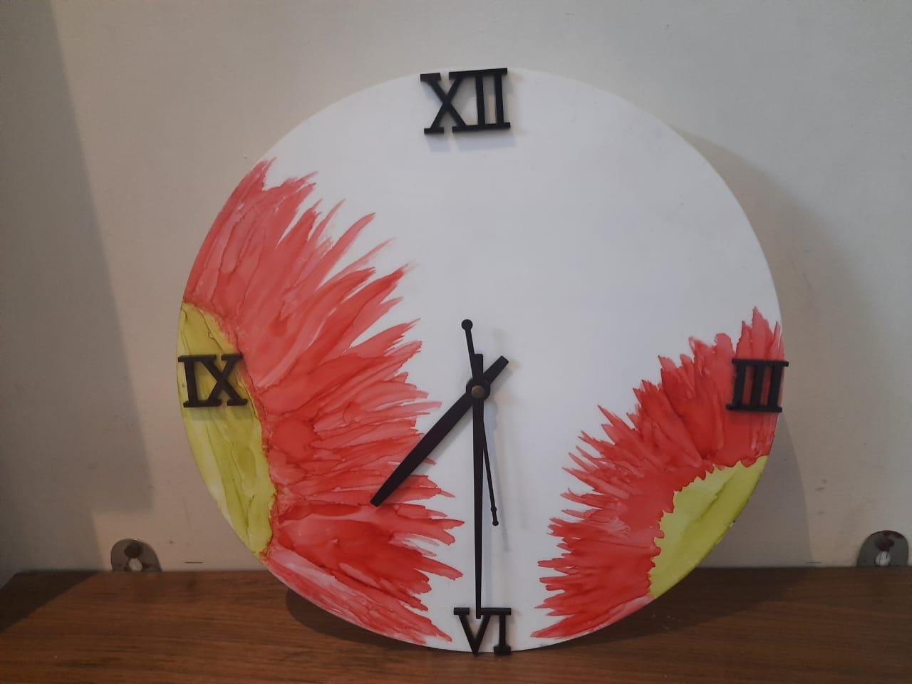 Alcohol ink Clock