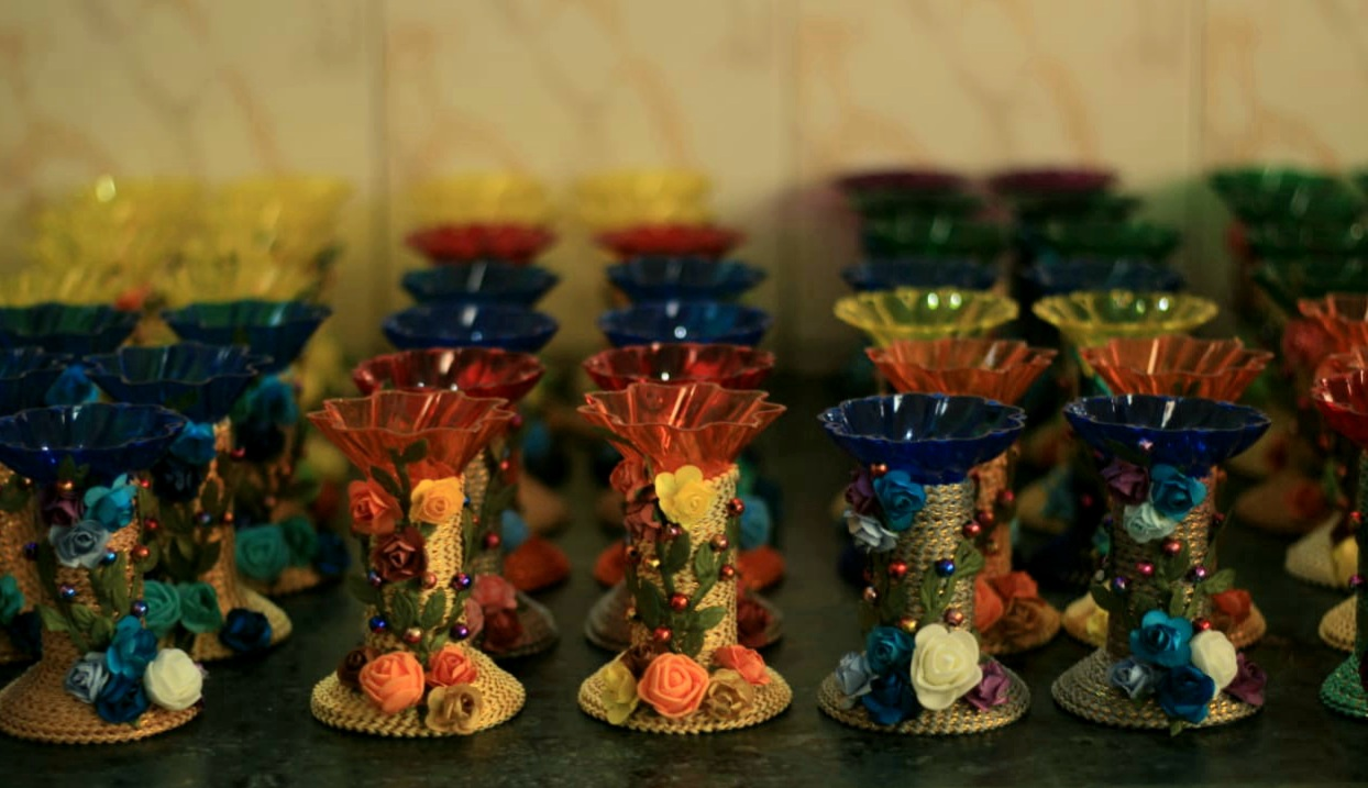 Assorted colors candle stands with Paper Flowers (Set of 2) Slider Thumbnail 8/8