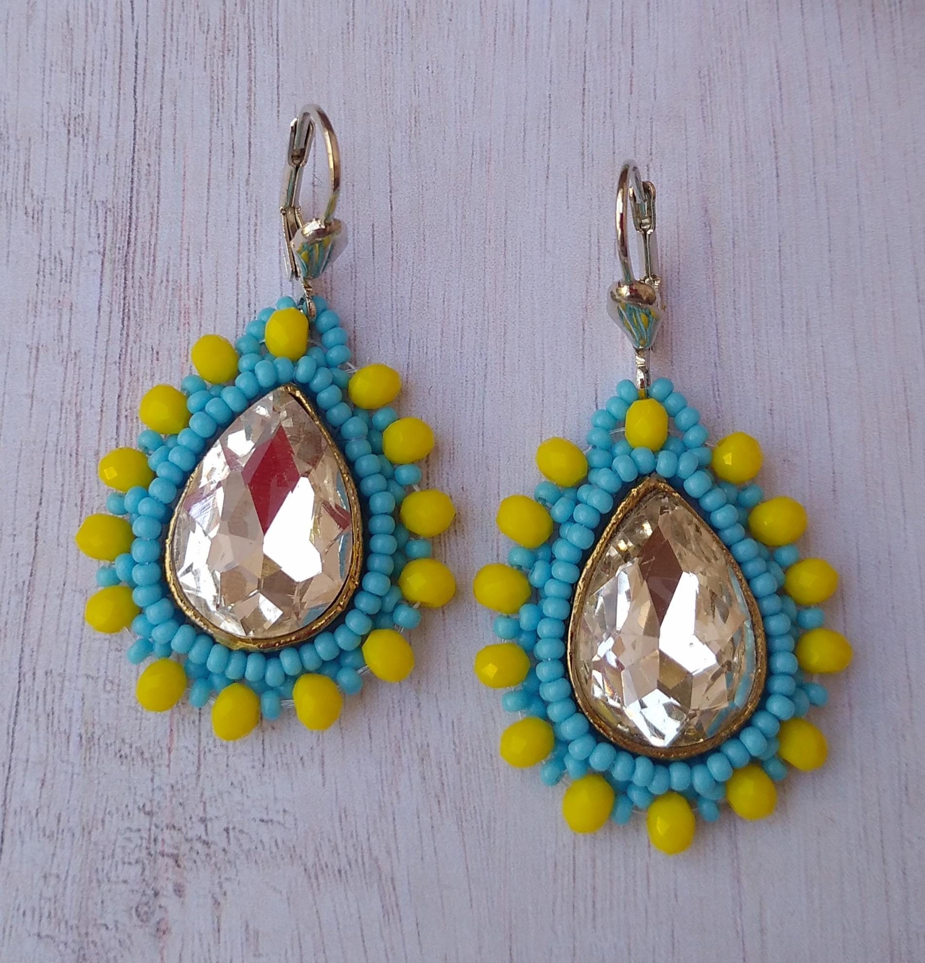 Women's Beaded Drop Earrings with Glittering Stone Work Slider Thumbnail 3/4
