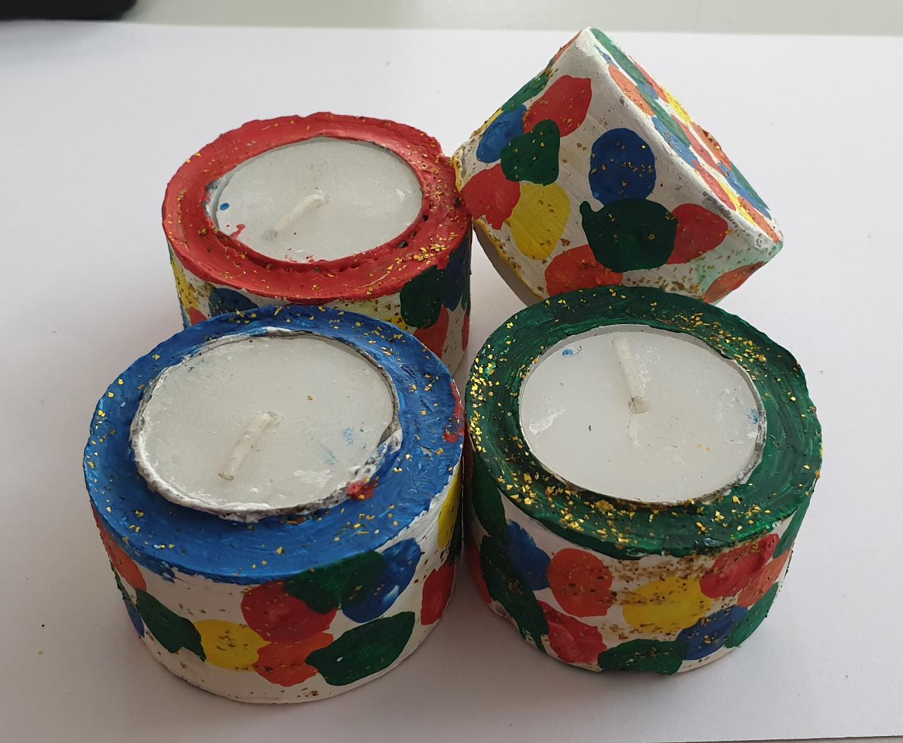 Diwali Hamper (Kumkum Chokha Plate, 4 Diyas, Roasted Almond, Roasted Cashew, Raisins, Honey) Slider Thumbnail 3/5