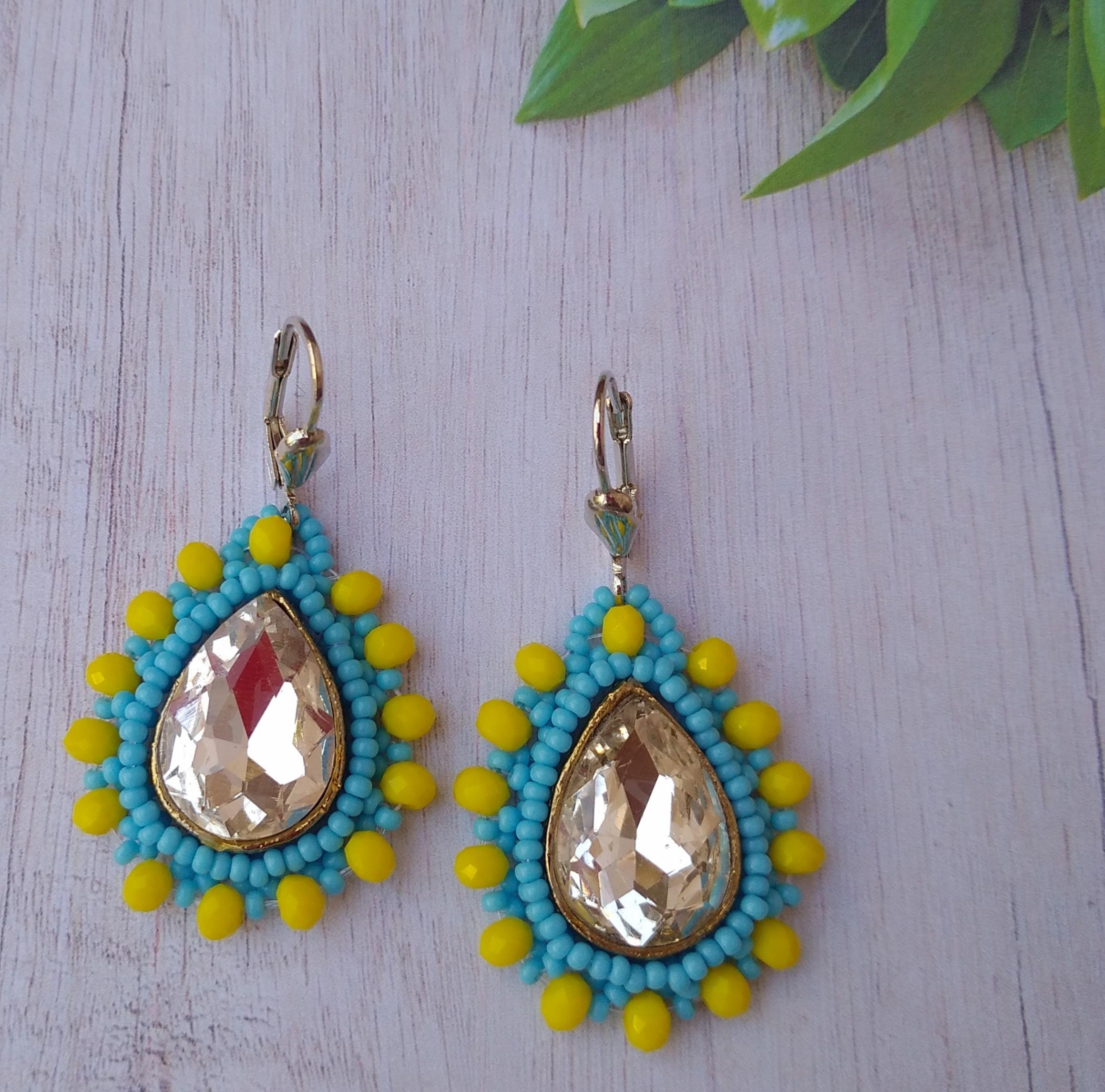 Women's Beaded Drop Earrings with Glittering Stone Work Slider Thumbnail 4/4