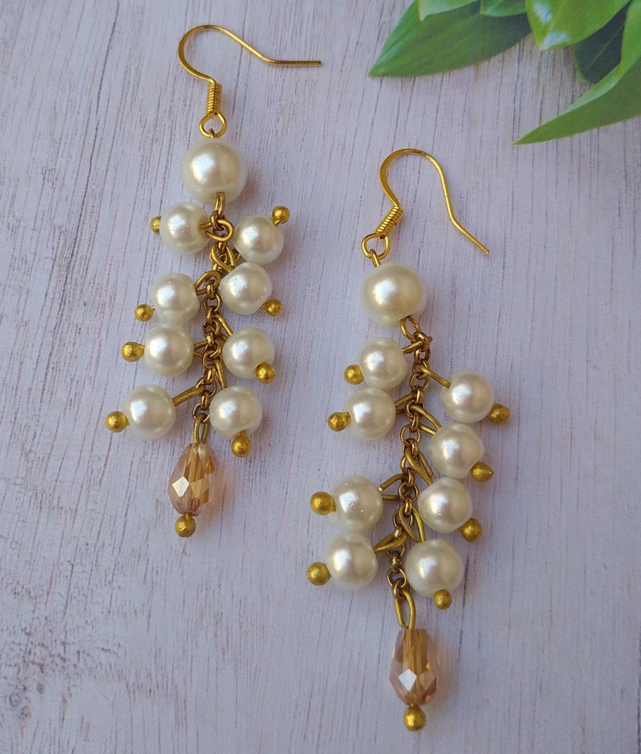 Women's Handmade White pearl Earrings Slider Thumbnail 2/2