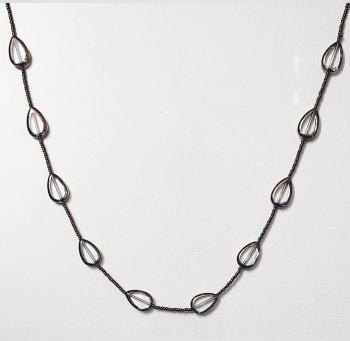 Neckpiece with Transparent Droplet Beads Slider 2/2