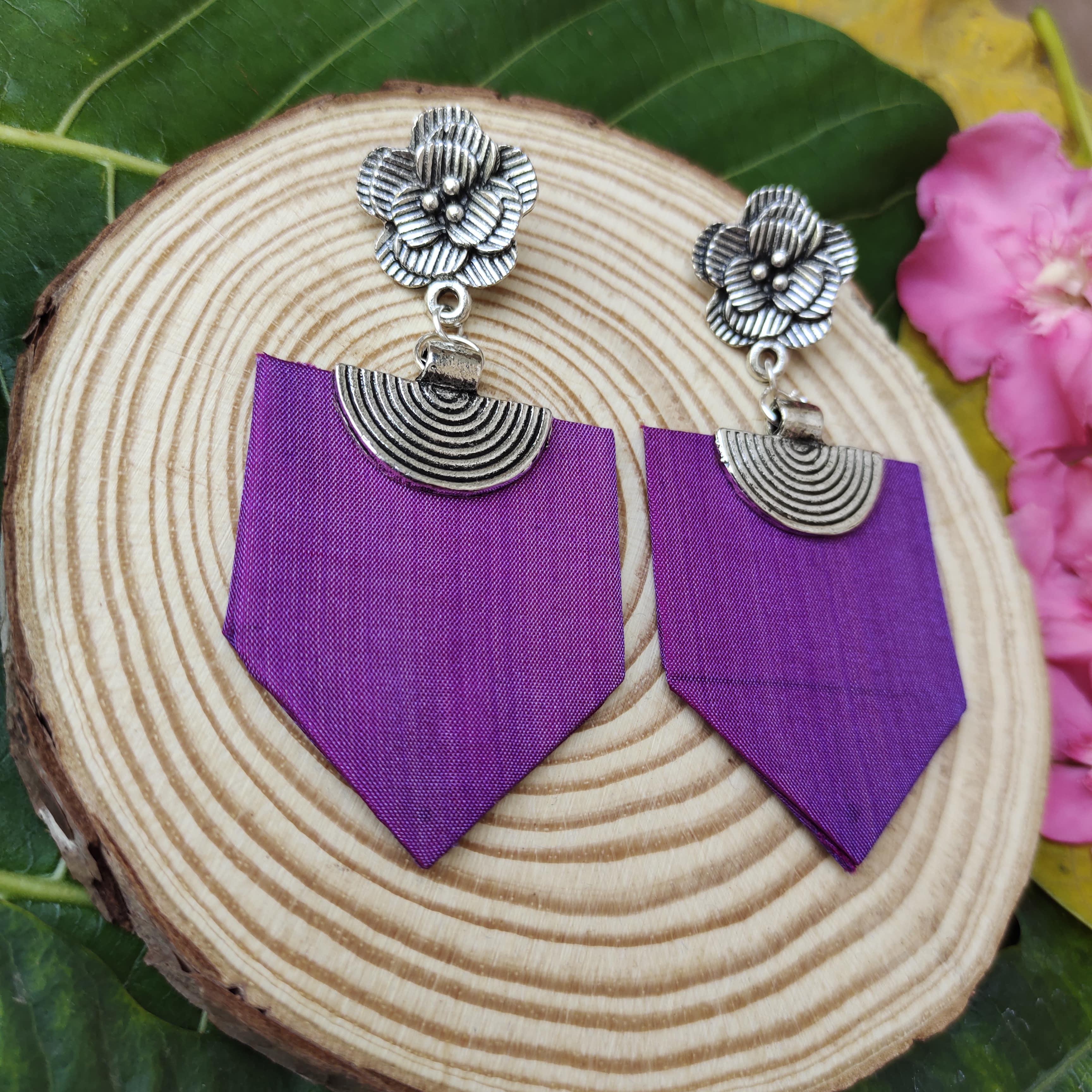 Fabric Earrings Slider 2/2