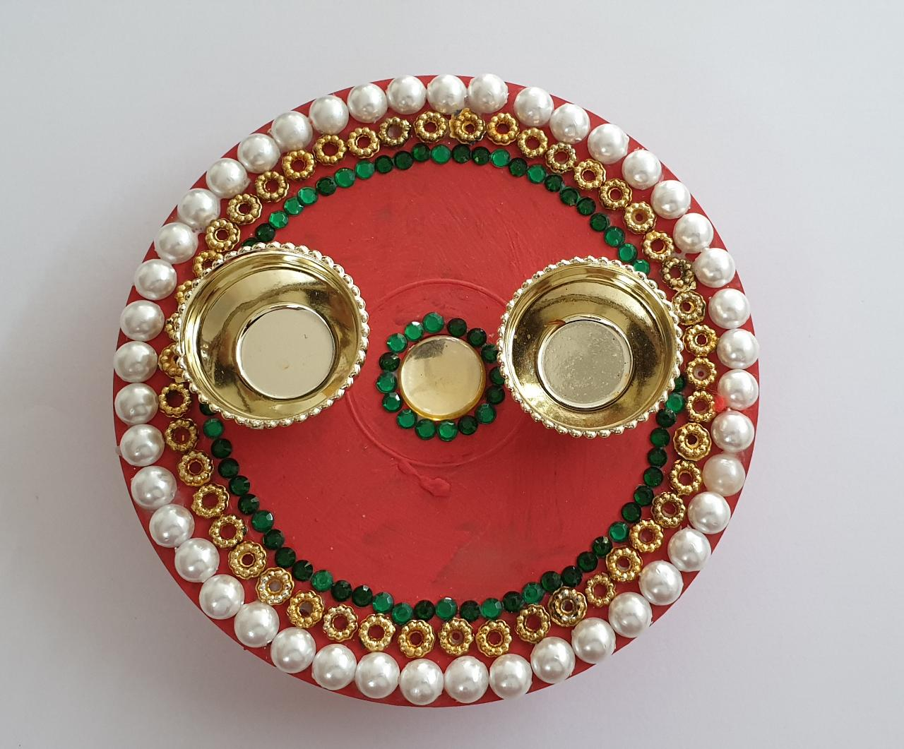 Diwali Hamper (Kumkum Chokha Plate, 2 Diyas, Roasted Almond, Roasted Cashew, Raisins) Slider Thumbnail 2/4