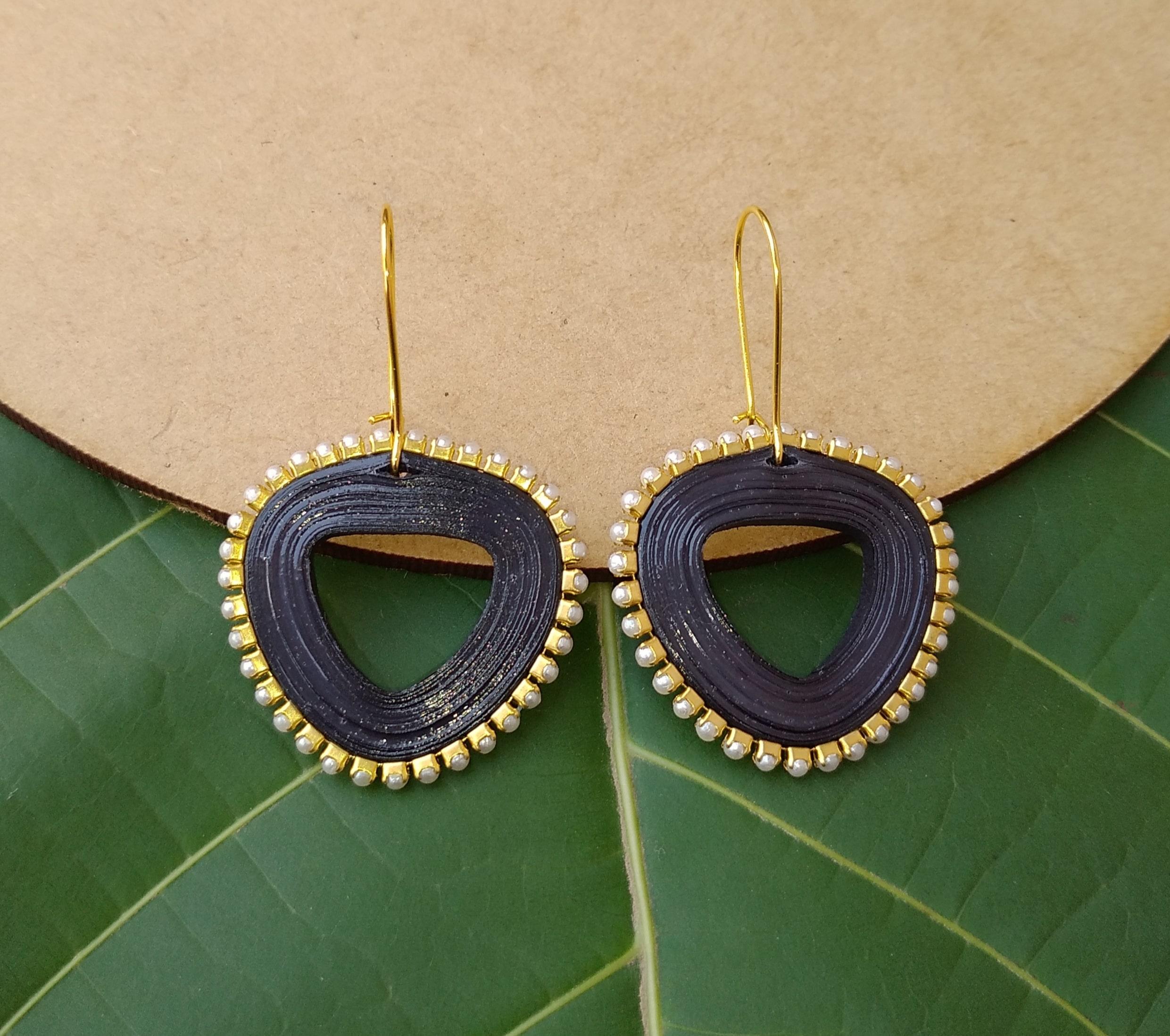 Women's Triangle drop Dangle Earrings Slider Thumbnail 3/6