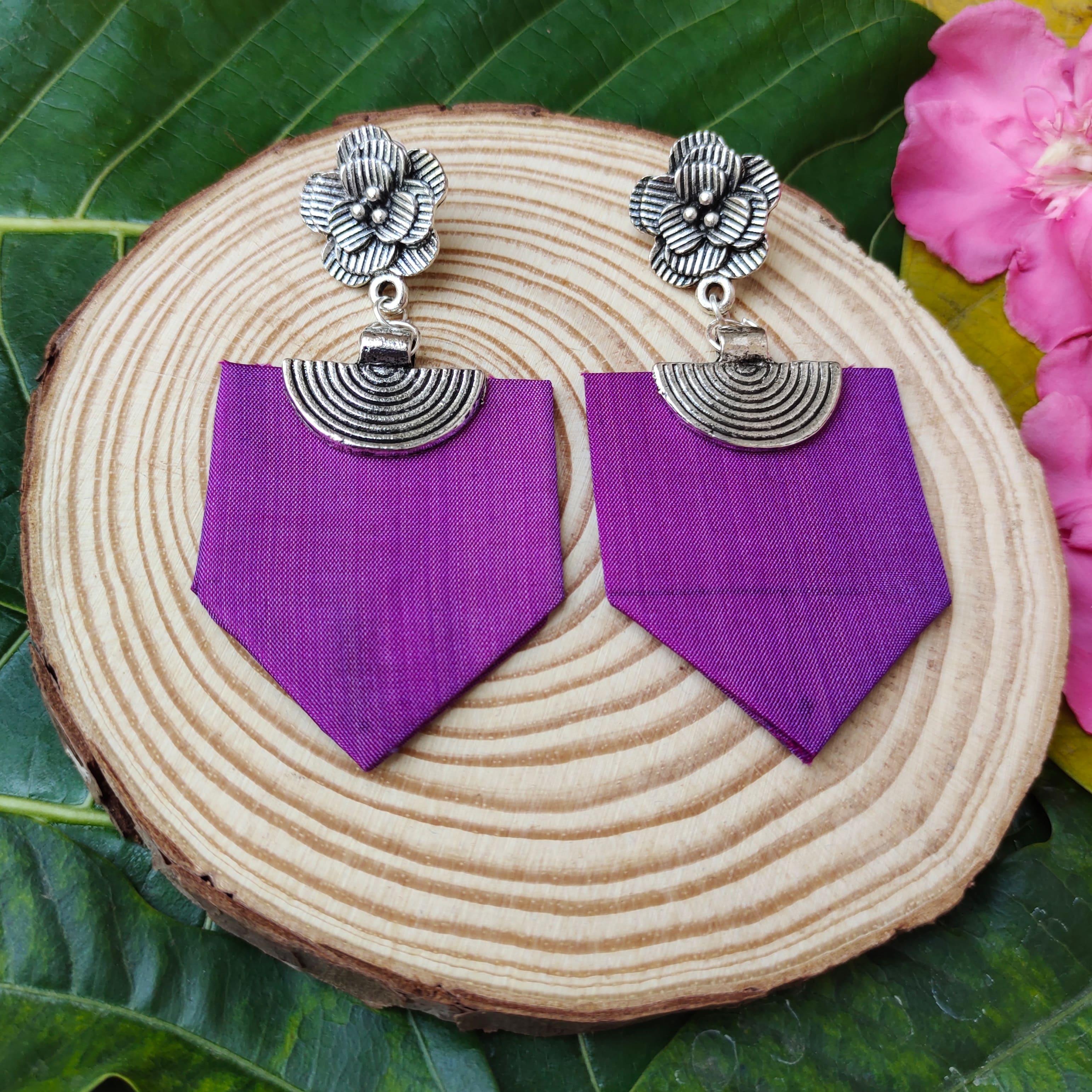 Fabric Earrings Slider 1/2